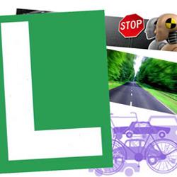 """Imagen en la que aparece el simbolo de la """"L"""" para conductores novatos y tras él imagenes relacionadas con la circulación como vehículos, una carretera u una señal de stop. Estas imagenes están relacionadas con el seguro obligatorio para los alumnos de autoescuela"""