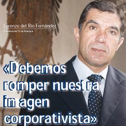 Fotogafía a Lorenzo del Rio Fernández Presidente del Tribunal Superior de Justicia de Andalucía en la portada de la entrevista de HispaColex