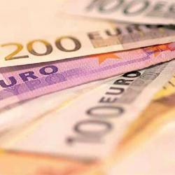 Fotografía de unos billetes de euros en referencia a las novedades en la reforma de la ley concursal