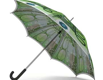 La imagen muestra un paraguas hecho de billetes de cien euros en relación con el infraseguro