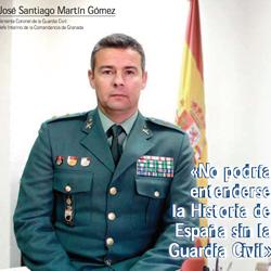 Fotografía de José Santiago Martín Gómez, Teniente Coronel de la Guardia Civil Jefe Interino de la Comandancia de Granada. Fotografía de portada de la revista La gaceta jurídica de HispaColex
