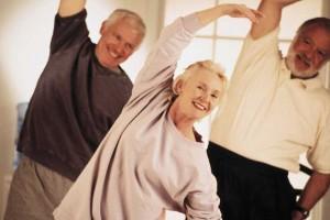 fotografía de unas personas mayores de aproximadamente sesenta y siete años que es la edad de jubilación