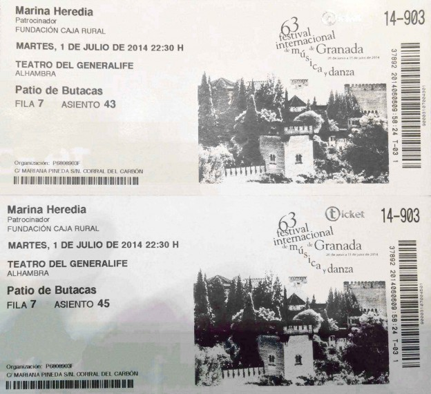 Fotografía de las dos entradas del concierto de Marina Heredia