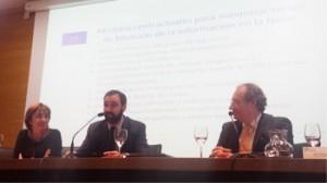 El abogado y socio de HispaColex, Sebastian Siguenza Bey, haciendo su ponencia en el Cloud Computing para Pymes