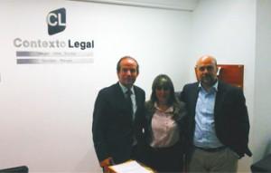 El abogados y director del área internacional de HispaColex junto a dos de los miembros de nuestro despacho colaborador en Colombia