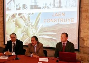 El director de HispaColex Jaén, Manuel Peragón, participa en HispaColex colabora en la Jornada técnica sobre presente y futuro de la construcción organizada por la Federación de Empresarios de la Construcción de Jaén