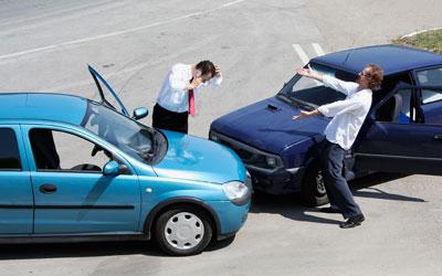 Dos coches que han sufrido un accidente