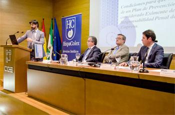 Manuel Fernández, abogado penal de HispaColex, en su ponencia de la jornada de Responsabilidad Penal de las Empresas. Junto a él el resto de ponentes.