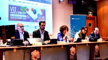 La rectora de la UGR, Pilar Aranda Ramírez, presidiendo la mesa de las jornadas de 'spin off' junto a otros miembros.