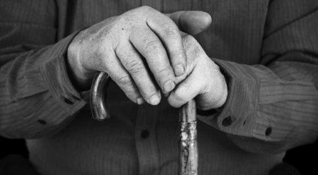 ¿Es legal que la empresa y trabajador concentren la jornada del jubilado parcial en un solo período?