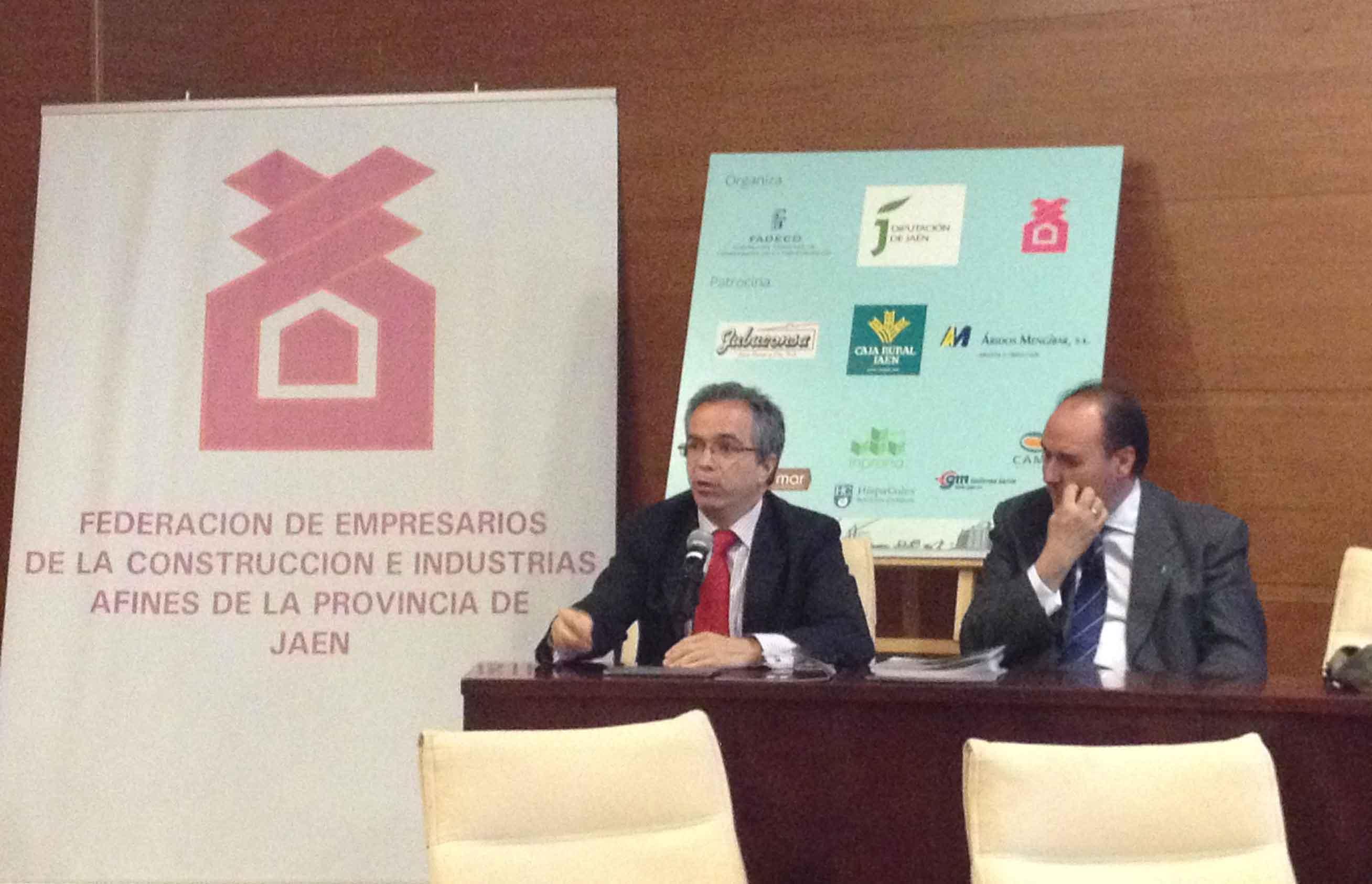 Director de HispaColex Servicios Jurídicos en una jornada junto a la Federación de Constructores de Jaén