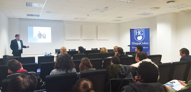 Juanjo González, abogado de HispaColex, haciendo su ponencia en el III Ciclo Jurídico para empresas Tic en Granada