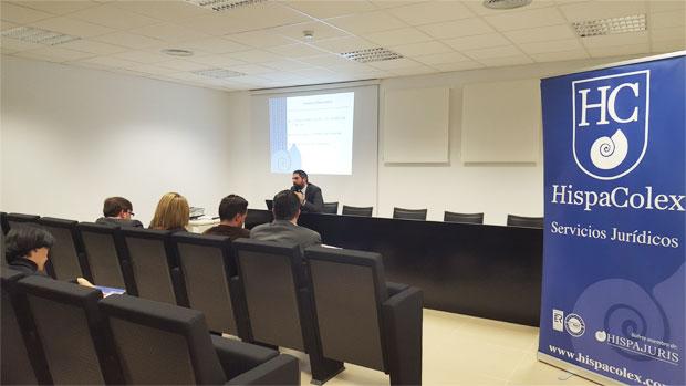 El abogado de HispaColex, Plácido Ladrón de Guevara, en su conferencia del cuarto Ciclo Jurídico para empresas TIC en Granada