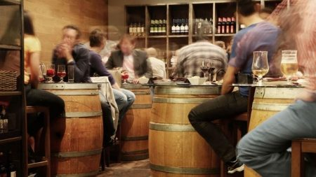 Nueva regulación y horarios de los establecimientos públicos en Andalucía